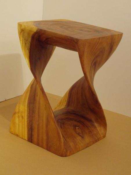 Hocker aus Akazienholz